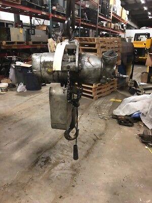 Gardner Denver 1.5 Ton Pneumatic Hoist 2133