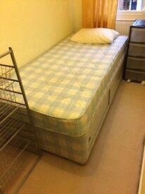 Short Term - Small single room to rent near Earlsfield station