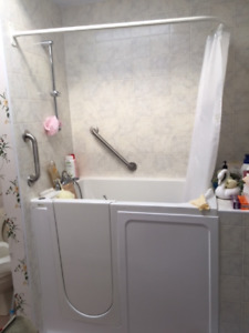 Walk-in Tub/Seating  - please contact 647-449-5979