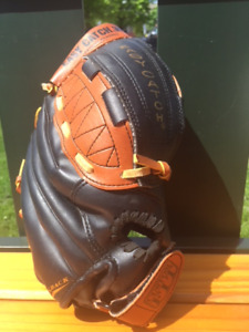 Wilson Kid Baseball Glove