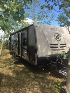 2010 Ever-Lite by Evergreen Half ton towable - Very Nice Trailer