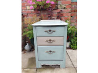 **💕GORGEOUS VINTAGE CHEST OF DRAWERS- ANNIE SLOAN Duck egg &French linen- shabby chic 💕**