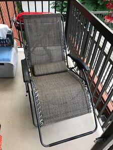Patio chair for sale - new!