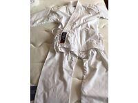 karate suit 110cm white, fits boy 5-7