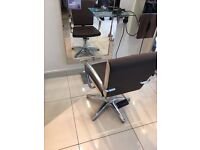 6 hairsalon chairs, sold as a set or separately