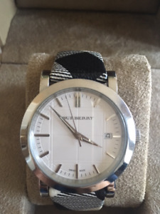 BEAUTIFUL AUTHENTIC BURBERRY WATCH FOR SALE(MUST PICK UP)