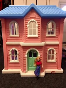"""WOW! Vintage Little Tikes """"My Size"""" Doll House with Furniture"""