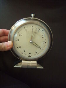 ergo table clock with light but no alarm,