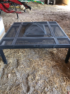 FIRE PIT WITH 4 ELEVATING TABLE TOP SECTIONS