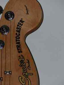 Squire by Fender Stratacaster Standard and gig bag