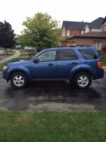 2010 Ford Escape XLT - LOW KM'S AND WARRANTY! SUV, Crossover