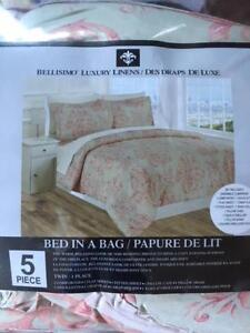 NEW SINGLE BED FIVE PIECE COMFORTER (BED IN A BAG)
