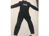 Kids 3-2 Tiki J6 (age approx 5-7) wetsuit , only used twice, perfect condition, collection only