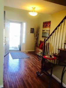 Furnished/Inclusive 3 Bdrm Townhome May 1