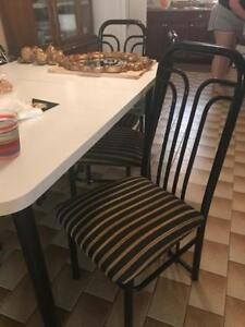 KITCHEN TABLE WITH 6 CHAIRS, GOOD CONDITION $25 FOR EVERYTHING