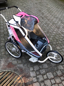 Chariot 3 seat stroller with attachments