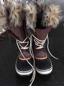 Women's Sorel Boots Size 7 - in box like BRAND New