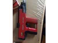 Hilti DX 450 Nailer with nails and cartridges