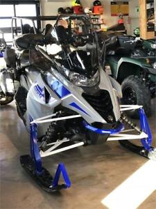 2018 Yamaha Venture DX (2-up snowmobile) **NOW SAVE $2500**