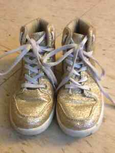 NEVADA Girls Gold Sparkle Glitter Ankle Shoes Boots - Size 1 Cambridge Kitchener Area image 1