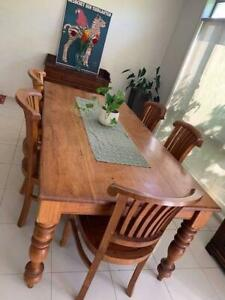 Dining table country style and 5 chairs