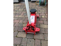 SEALEY YANKEE 3 TON TROLLEY JACK WITH INSTRUCTIONS/PARTS LIST. LITTLE USED.
