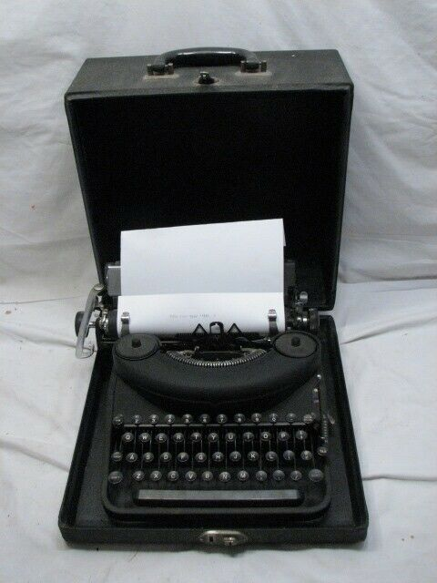 1947 Post-War Remington Model 7 Noiseless Portable Typewriter Case Art Deco