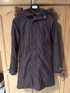 Ladies Aritzia TNA Parka - Grey