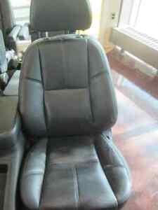 TAHOE FRONT/MID/REAR LEATHER SEATS 07-14 Peterborough Peterborough Area image 3