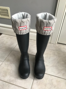 Hunter boots and socks size 6 womens