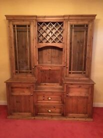 Beautiful or ountry kitchen dresser.