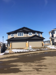 INVESTOR ALERT !!   Whole duplex with suites is POSSIBLE !!