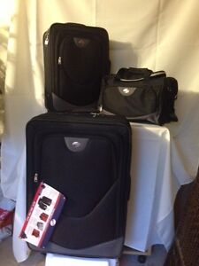 Brand New $500 3 Piece 'Tourister' Luggage Set