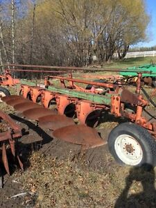 Cockshutt 450 6 Bottom Plow