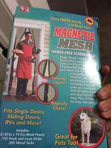 Hands free screen door