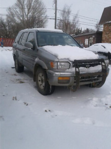 1997 Nissan pathfinder  4x4 fully loaded
