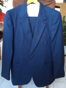 Men's blue wool suit 44 S, excellent condition
