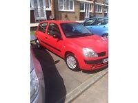 2005 Red Renult Clio