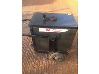 B O C INDUSTRIAL WELDER, VERY HEAVY DUTY, OLD , BUT NOT USED A GREAT DEAL,