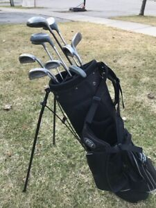 Ladies Lynx Golf Clubs. Right Handed