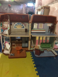 Barbie dollhouse with some furniture