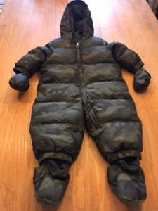 3-6 month and 6-12 month snowsuits and winter wear (5 items)