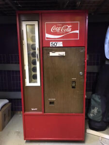 1960s -1970s Coca-Cola Coke Machine