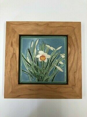 One Acre Ceramics Daffodil Art Tile Arts&Crafts Mission Style Cherry Park Frame