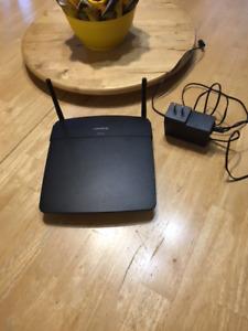 Linksys Router/ Routeur - $40 (Lachine/ Ville St Pierre)