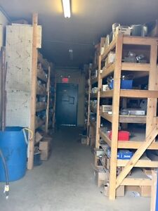 495 sqft Commerical Warehouse Space for RENT