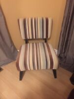 2 chairs in excellent condition