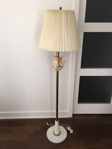 Lampe antique de marbre