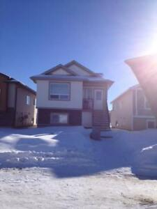 2 Bed 2 Bath Upper Suite in Westpointe Available May 1st