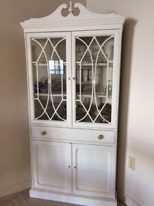 Vintage Dining Room with  4 chairs and corner cabinet Sarnia Sarnia Area image 6